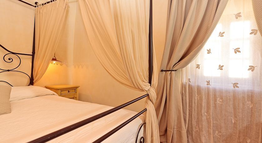 Camera in appartamento a Todi