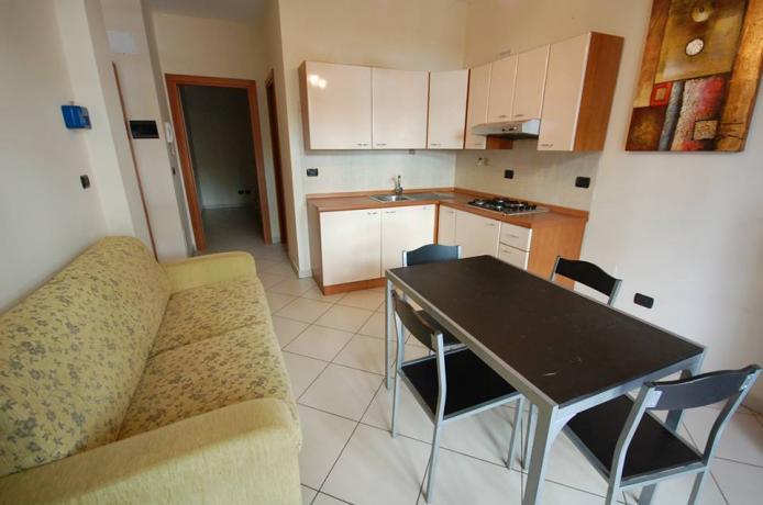 area soggiorno con cucina San-Benedetto-del-Tronto