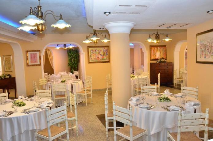 Sala ristorante Resort sulla Spiaggia di Cala Ginepro
