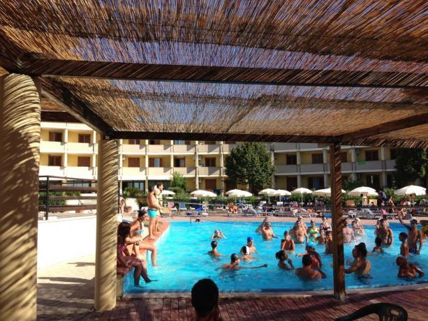 Residence fronte mare-piscina-per-bambini a Metaponto