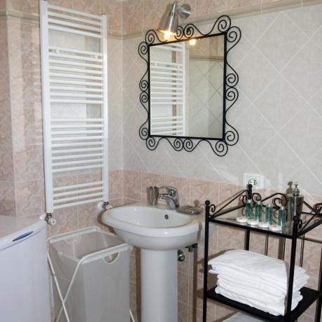 Bagno Bilocale uso singolo residence Ronciglione