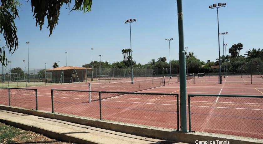 campi da tennis al resort la riserva