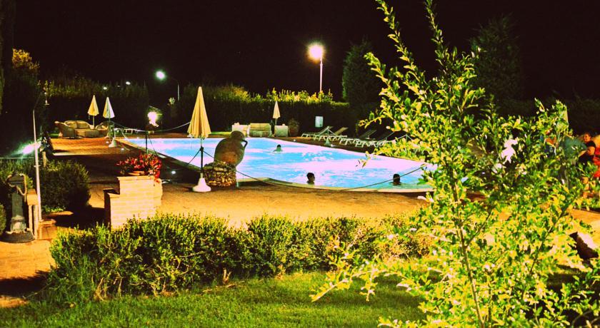Hotel con Giardino e Piscina vicino Assisi