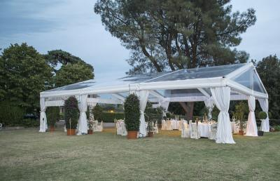 Gazebo all'aperto per i matrimoni