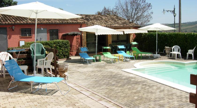 castellalto-affitta-camere-appartamenti-con-piscina-vicino-teramo