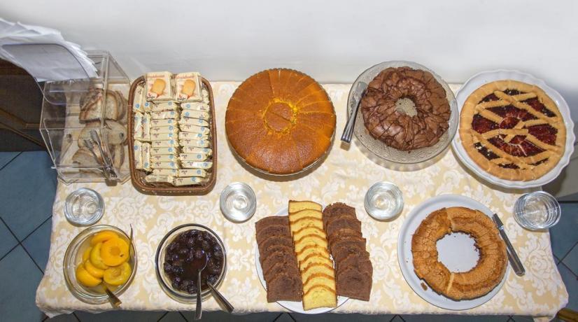 Colazione Buffet dolci fatti casa Hotel Ischia