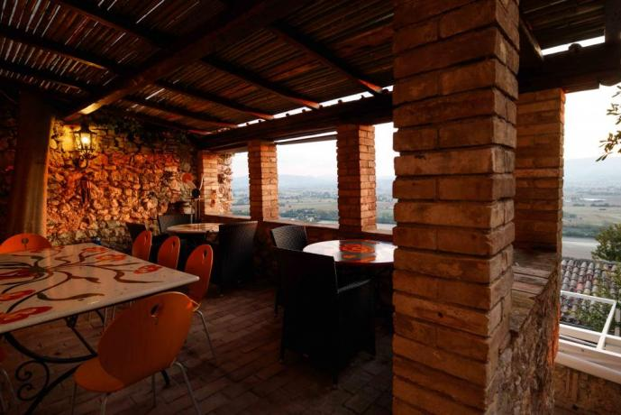 Bar con vista in Borgo medievale Umbria