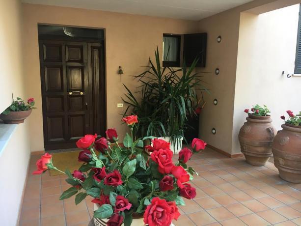 Ingresso villa per vacanze Perugia gruppi fino 8persone