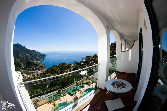 Hotel a Ravello con vista costiera amalfitana