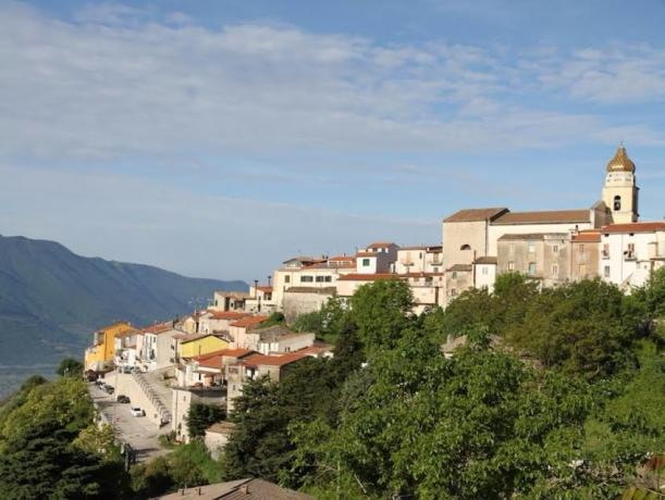 Il paese di San Lupo in Campania