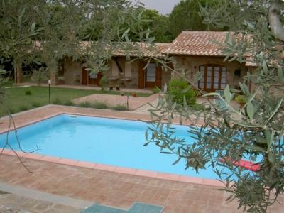 Casali con piscina prodotti pulizia acque