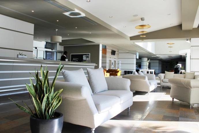 Hall albergo 4 stelle a Manfredonia