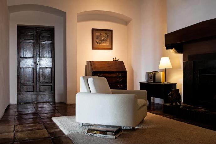 Eleganti appartamenti con camino tra Umbria e Lazio