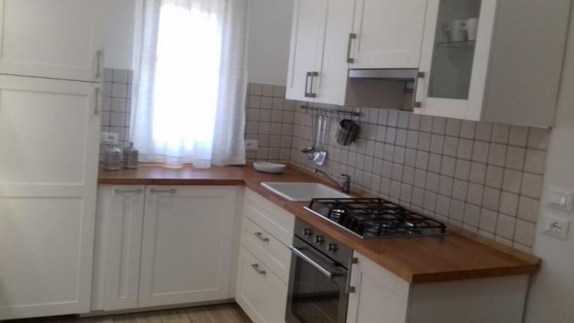 Cucina componibile angolare villa Dino