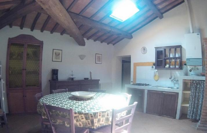 Appartamenti in Villa umbra con ampio soggiorno