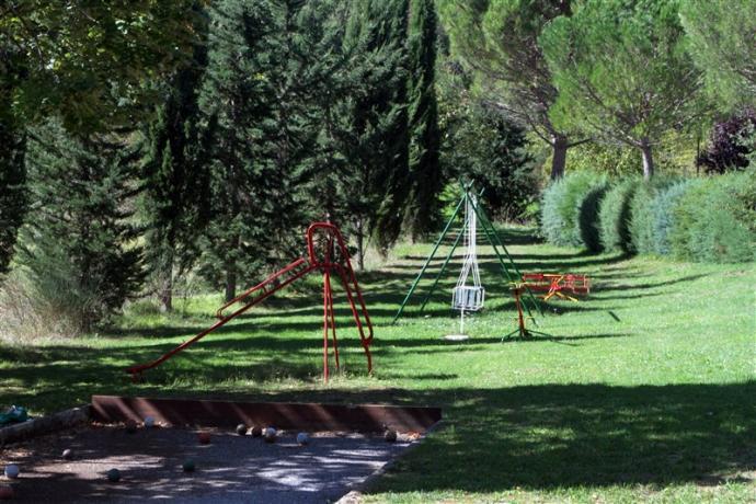 Area attrezzata giochi per bambini