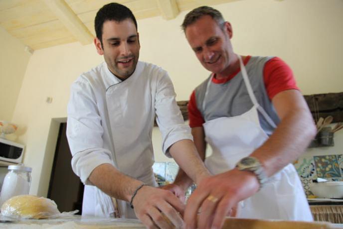 Relais Umbria con degustazione e scuola cucina
