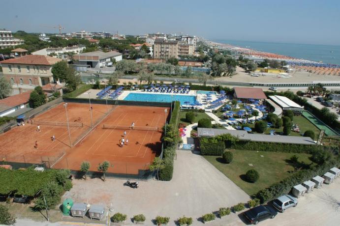 Il Campo Tennis e Piscina Hotel vicino Mirabilandia