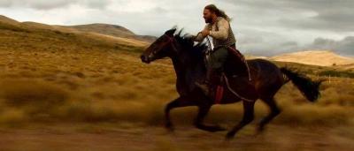Alessio e Thor a cavallo nella tenuta