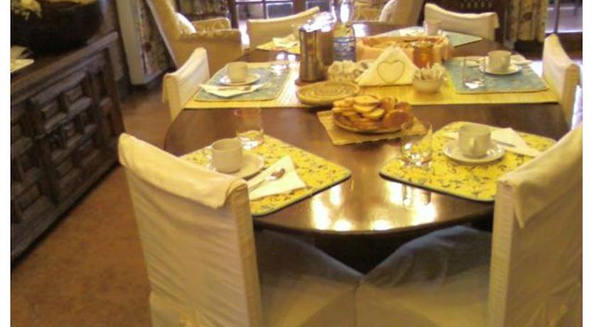 sala pranzo casa vacanze villa Terni Umbria