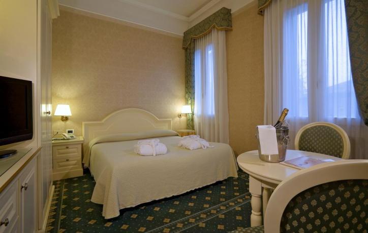 Camera matrimoniale per notti romantiche in Veneto
