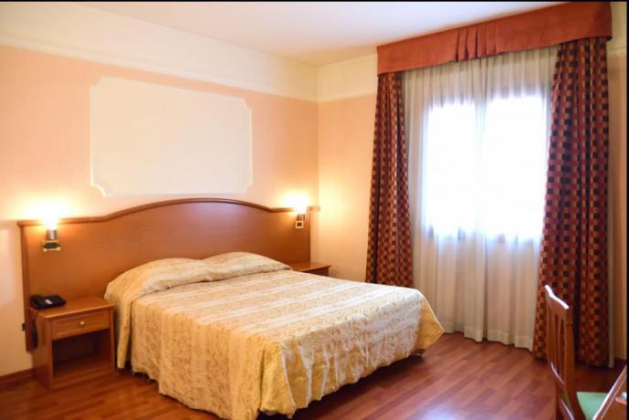 Hotel 4 stelle con Piscina Coperta a Caserta