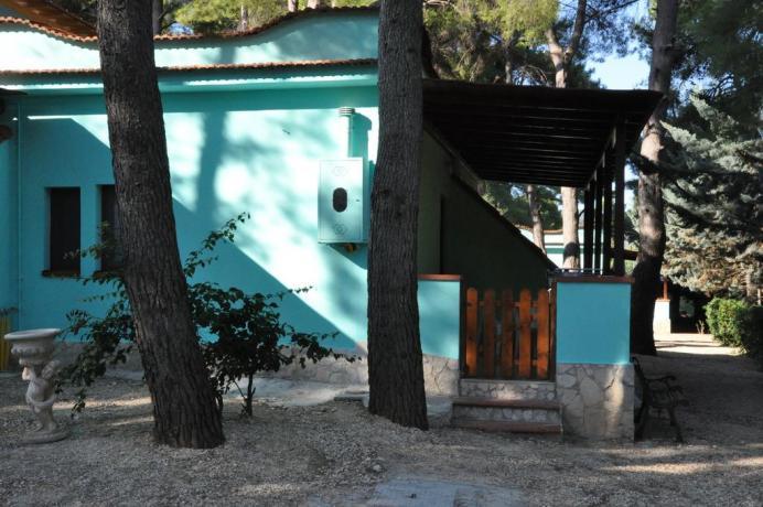 Appartamento con portico e piccolo cortile