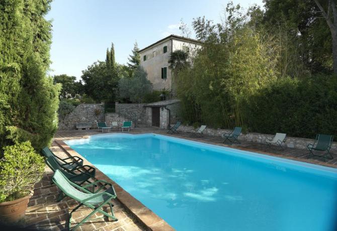 Villa e appartamenti vacanza con piscina