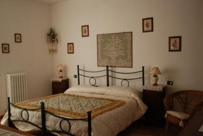 Camera Glicine con terrazzo