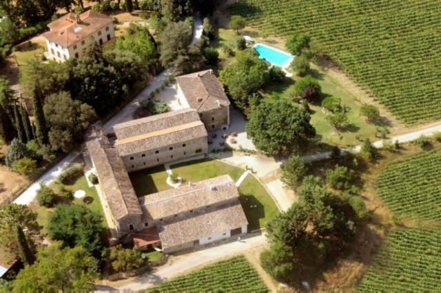 Agriturismo con appartamenti a Umbertide con piscina