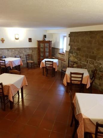 Ristorante e Piscina in Hotel Chiascio vicino Assisi