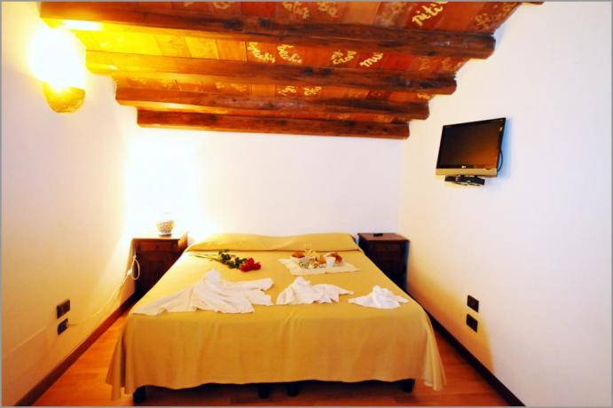 """Hotel Sicilia, Suite """"STANZA DEL DIALETTO SICILIANO"""""""