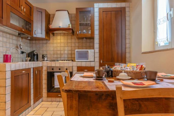 Appartamento con cucina in muratura