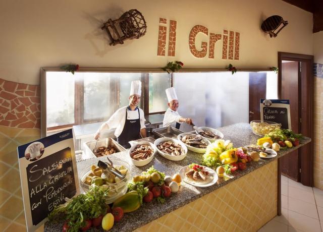 Ristorante Buffet con 25 specialità carne e pesce