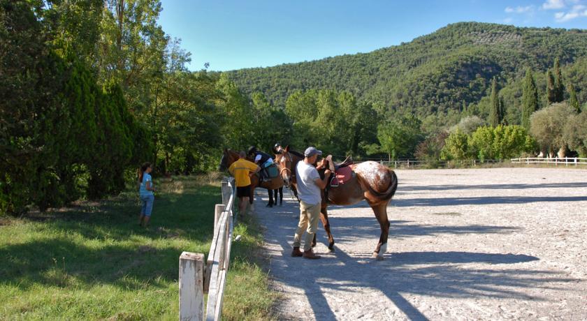 Passeggiate a cavallo a eco resort