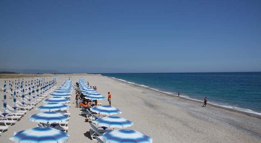 Spiaggia di sabbia bianchissima sullo Ionio
