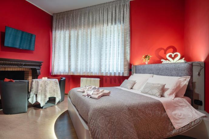 Suite con Tavolino-Sedie e Televisione