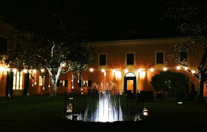 Villa con fontana centrale vicino piscina Perugia-Piscille