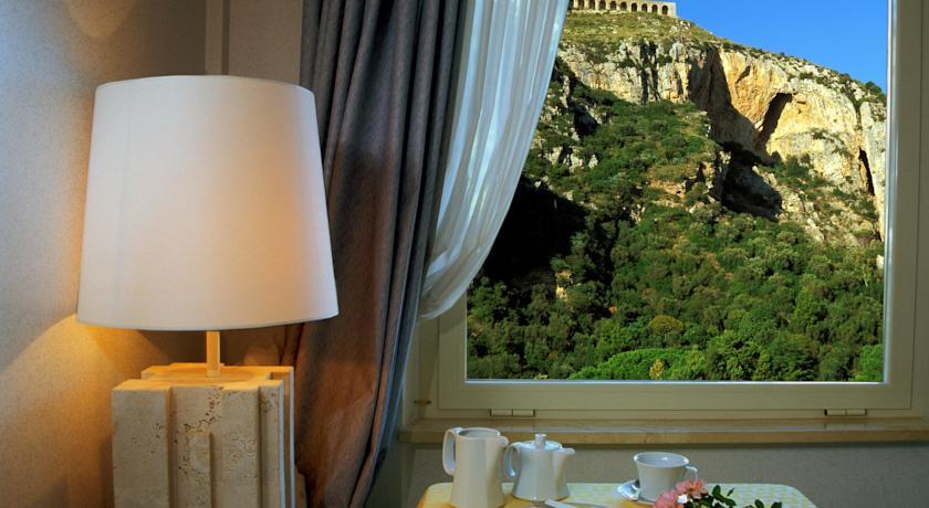 Hotel a Terracina vista sul tempio