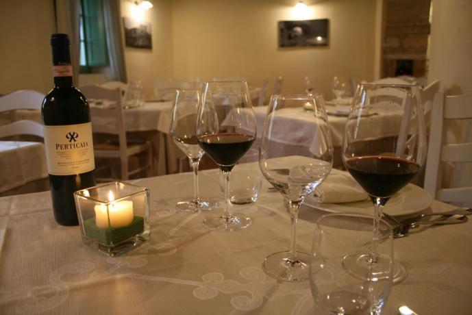 Ristorante con ottimo vino resort a Valtopina