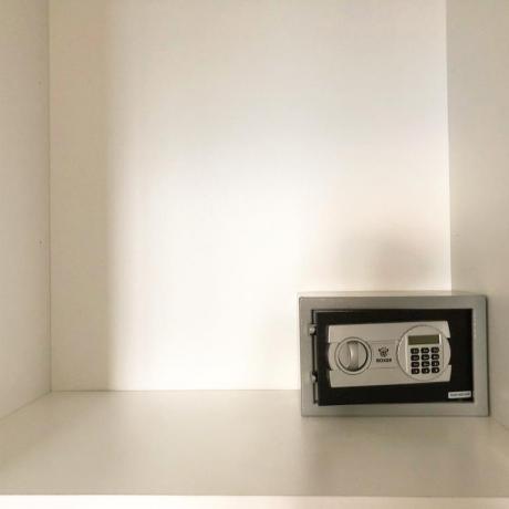 Camera con Cassaforte Elettronica