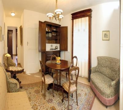 Ampio salone appartamento San Francesco
