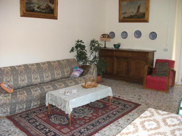 Soggiorno camera Bed and Breakfast vicino Lago Trasimeno