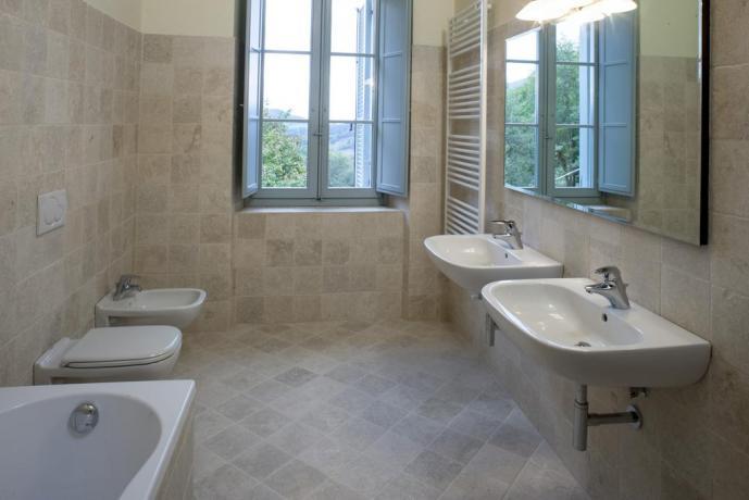 Bagno appartamento resort a Valtopina