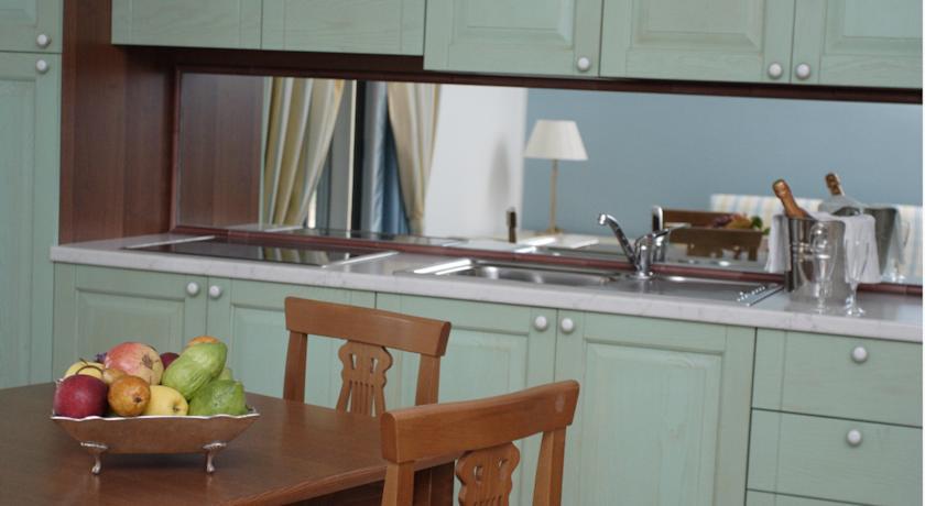 cucina in appartamenti resort scalea