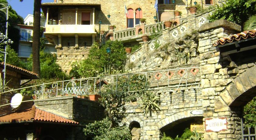 La facciata del romantico hotel di Portofino