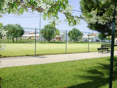 Villaggio con Campo da calcetto e tennis