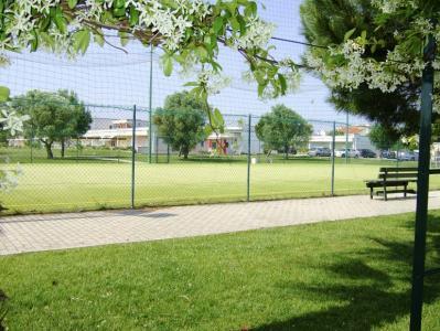 Villaggio con Campo da calcetto e tennis