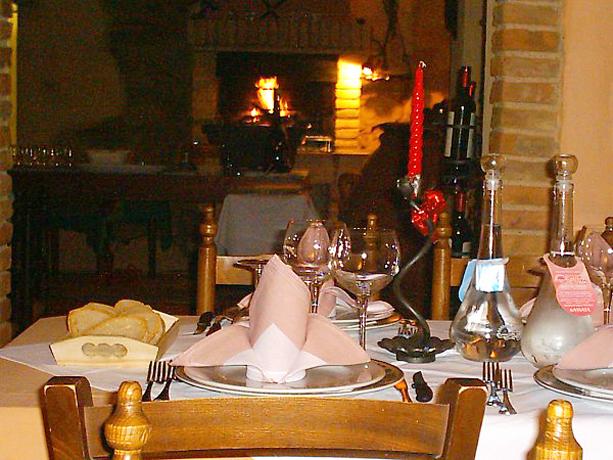 Hotel Ristorante Enoteca Castellina Marittima