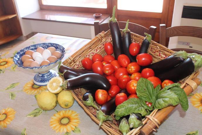 Uova e verdure casa vacanze vicino Porto Ischia